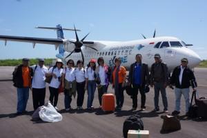 Rombongan Komsos KWI tiba di Bandara Tambolaka, Sumba