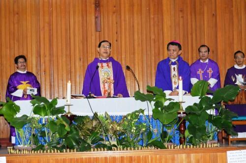 Legio Mariae Acies Dua Uskup Sebagai Konselebran Utama