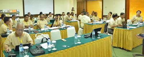 Peserta workshop di hari kedua mendalami konflik minimnya peminat calon imam (Fotokomsos KWI)