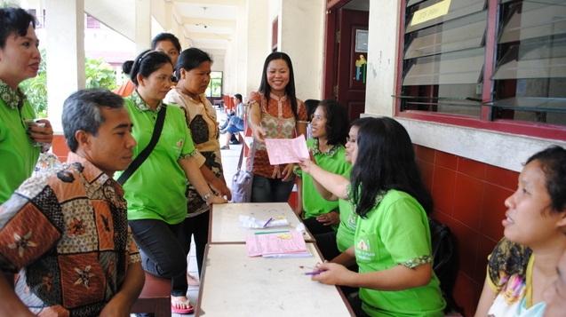 P Yulius Tangke Bandaso SX mendaftarkan diri untuk berpartisipasi mendonorkan darah.