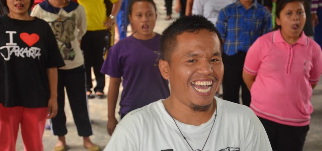 Br. Titus Simanullang, OFM Cap, salah satu peserta pelatihan yang selalu gembira mengikuti sesi demi sesi.