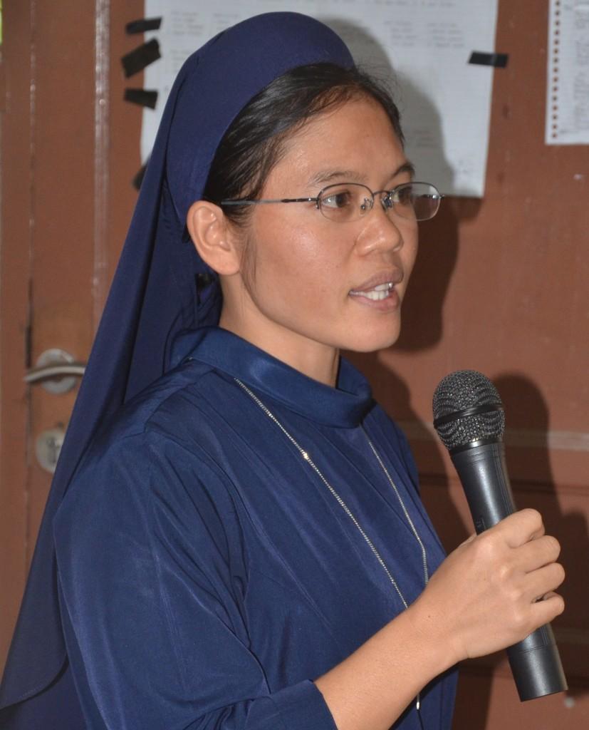 Sr. Celsi, KSFL, biarawati yang sedang kuliah di semester V STP St. Bonevantura.