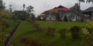 Rumah Retret Maria Bunda Karmel Ruteng, Flores, NTT tampak dari kejauhan/ Foto : Retno Wulandari - Dok.Komsos KWI