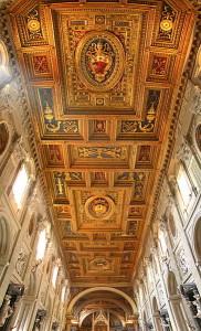 Salah satu interior bagian atas Gereja Basilik Lateran