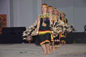 Atraksi budaya OMK Regio Kalimantan (1)