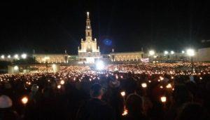 Lautan manusia berkumpul dan berdoa dalam peziarahan di Fatima, Rabu (13/10/2016, Foto:Facebook Alles Laban
