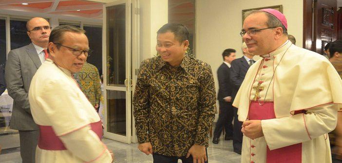 Malam Perpisahan Mgr. Filipazzi, Dari Indonesia ke Nigeria