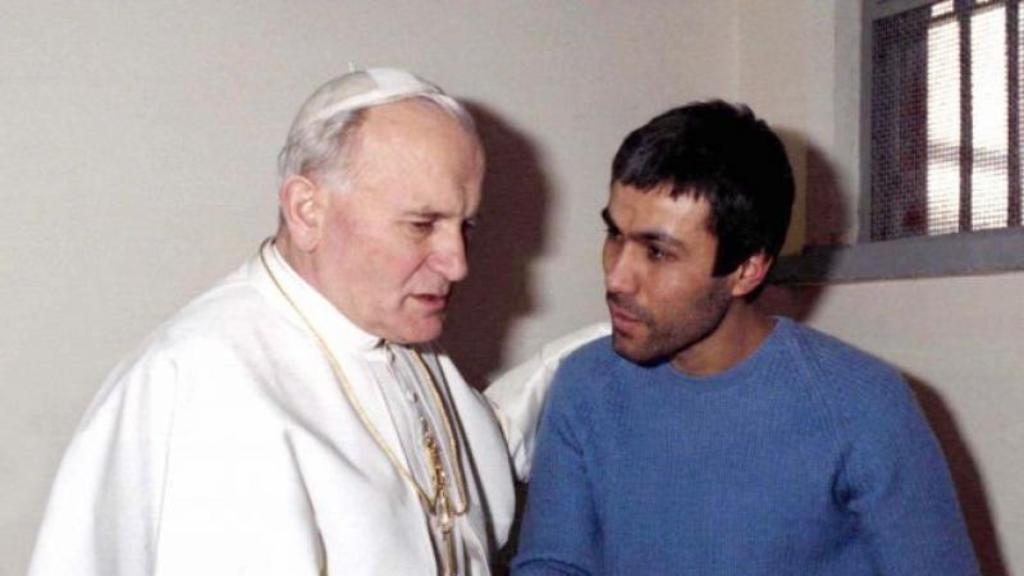 Pertemuan di penjara Rebibbia antara Yohanes Paulus II dan Ali Agca