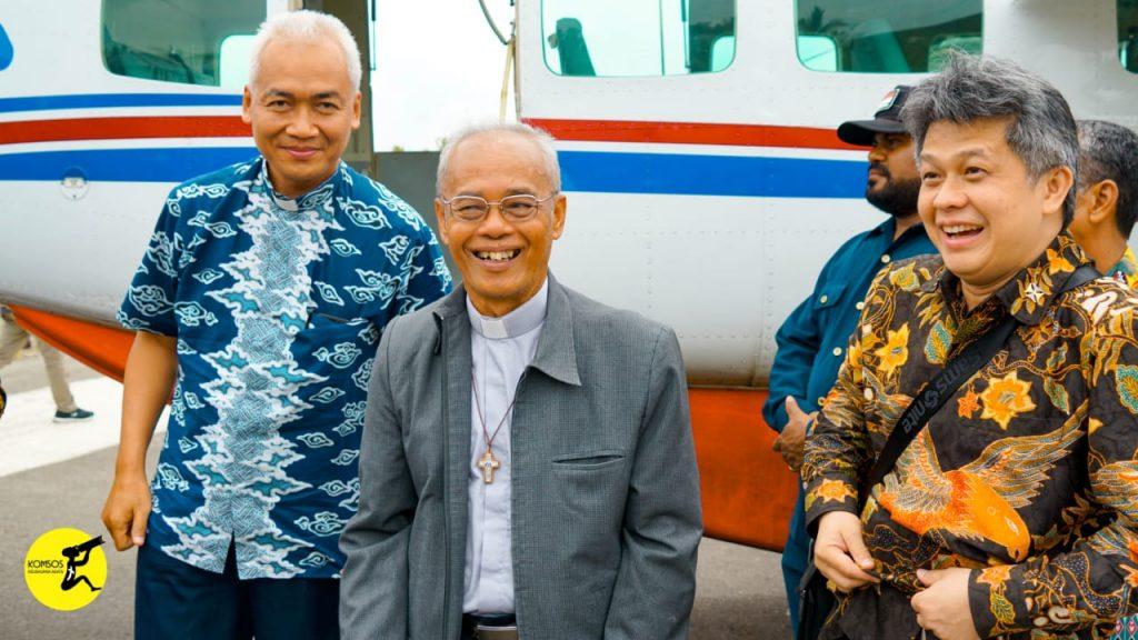 FU FM, gereja Katolik Indonesia, katekese, katolik, keuskupan agats-asmat, Komsos KWI, Konferensi Waligereja Indonesia, Nuntius Apostolik, Perayaan 50 Tahun
