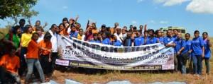 Para peserta napak tilas berpose bersama / Foto : Abdi Susanto