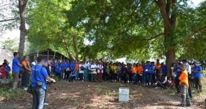 Para peserta napak tilas di Katewel