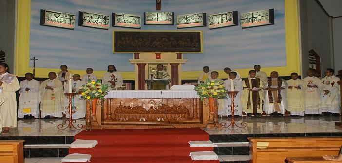 Misa Pembukaan Rapat SIGNIS ke-41 yang dipimpin Vikjen Keuskupan Agung Ende, RD. Syrilus Lena
