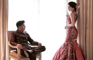 Glenn dan Chelsea Olivia setelah upacara pemberkatan nikah di Katedral Jakarta