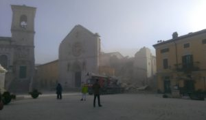 Basilika St. Benediktus Norcia hancur setelah gempa mengguncang wilayah Italia Tengah pagi tadi